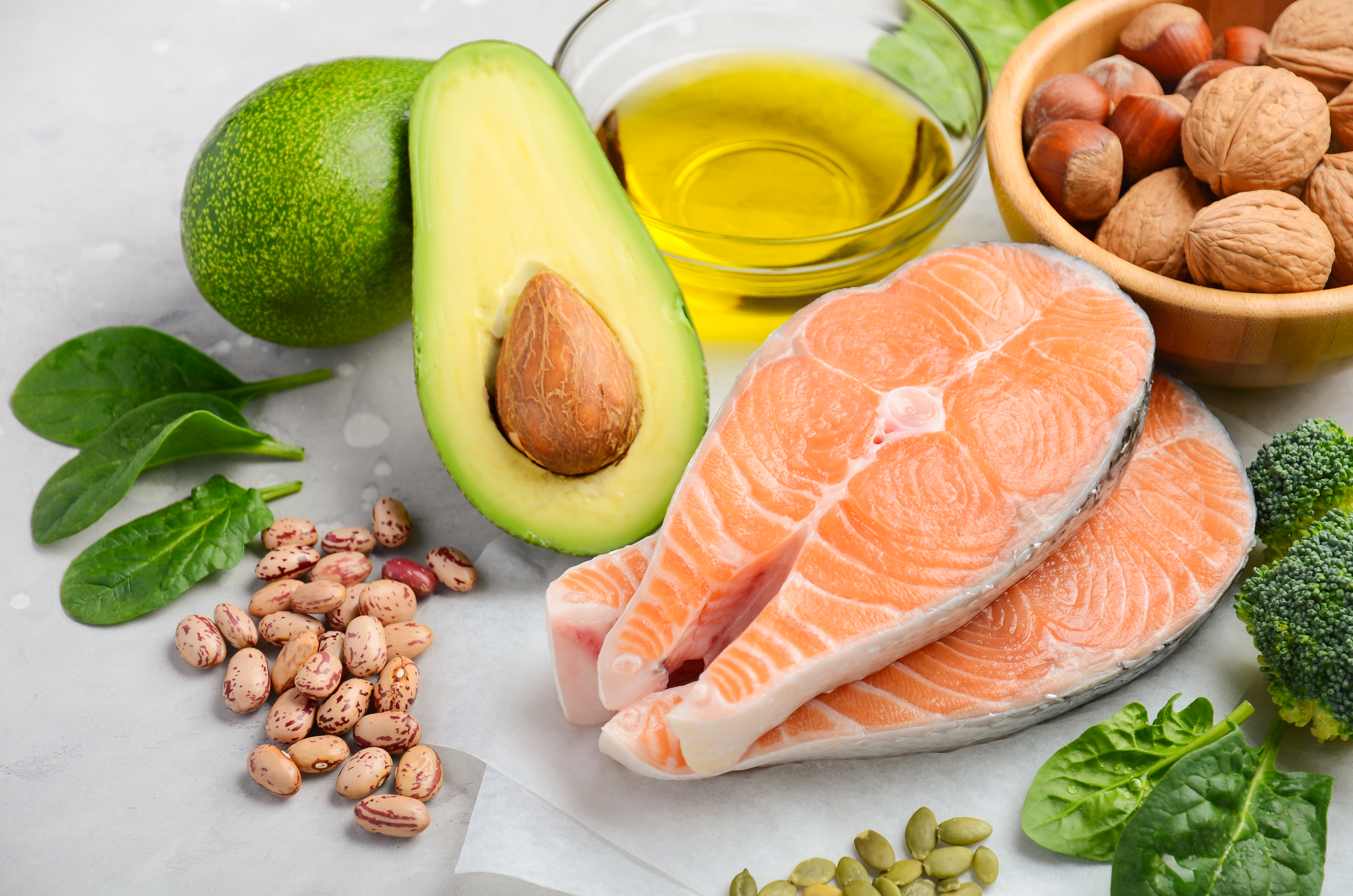 7 Foods to Eat to Lower Cholesterol - The Johns Hopkins Patient Guide to  Diabetes